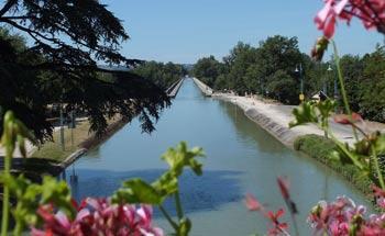 Pont canal Agen tourisme lot et garonne